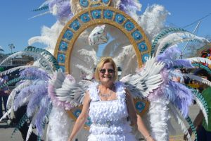 """Diamond Princess"" Cynthia Hinds smiles for the camera at the Royalty March. (Lorenzo Salinas/The News)"